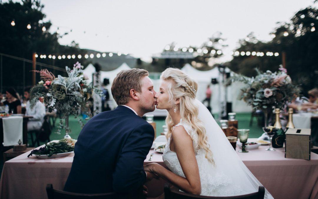 Eten op uw trouwdag: zo stelt u het bruiloftsmenu samen